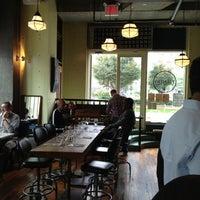 10/3/2012にEdgar M.がPalmer's Bar & Grillで撮った写真