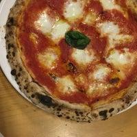 Снимок сделан в Pizza Fabbrica пользователем Quinn A. 4/25/2017