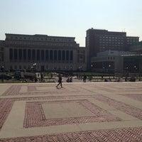 Foto scattata a Low Steps - Columbia University da Justin Y. il 4/10/2013