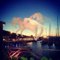 6/27/2013 tarihinde Zeynep Y.ziyaretçi tarafından Çeşme Marina'de çekilen fotoğraf
