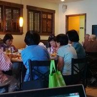 Foto tirada no(a) Goji Cafe por Aloysius L. em 9/26/2013