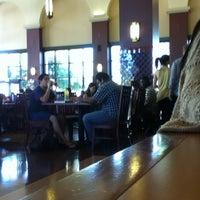 Foto scattata a Dining Hall da Leslie il 9/17/2014