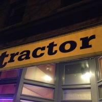 Das Foto wurde bei Tractor Tavern von Brian H. am 11/3/2012 aufgenommen