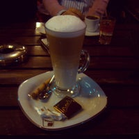 3/23/2013 tarihinde Bahar C.ziyaretçi tarafından Cadde Cafe'de çekilen fotoğraf