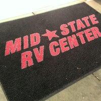 Foto tirada no(a) Mid-State RV Center por Rex G. em 4/10/2014