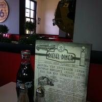 3/12/2013 tarihinde Gülşah B.ziyaretçi tarafından Diesel Diner'de çekilen fotoğraf