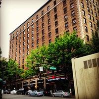 Foto tirada no(a) The Heathman Hotel por Colette M. em 10/14/2012