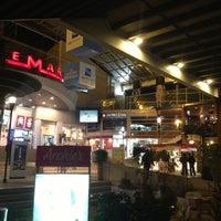 รูปภาพถ่ายที่ Plaza de Las Américas โดย DeTrip เมื่อ 10/2/2012