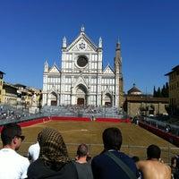 Foto scattata a Piazza Santa Croce da Debora il 6/16/2013