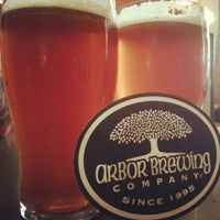 4/23/2013 tarihinde Dizzy M.ziyaretçi tarafından Arbor Brewing Company'de çekilen fotoğraf