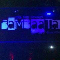 Das Foto wurde bei BaMBaaTa von Ernesto O. am 6/15/2013 aufgenommen