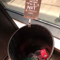 Foto scattata a Starbucks da William S. il 11/19/2017