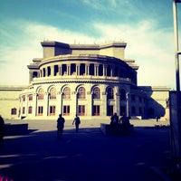Снимок сделан в Армянский театр оперы и балета им. Спендиарова пользователем Arsen 10/5/2012