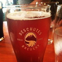 Photo prise au Deschutes Brewery Portland Public House par Willo S. le9/17/2012