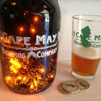 Das Foto wurde bei Cape May Brewing Company von carene am 5/26/2013 aufgenommen