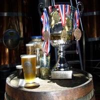 Das Foto wurde bei Chelsea Brewing Company von Chelsea Brewing Company am 9/25/2013 aufgenommen