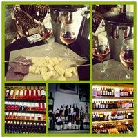 10/14/2012 tarihinde Selinziyaretçi tarafından Sensus Şarap & Peynir Butiği'de çekilen fotoğraf