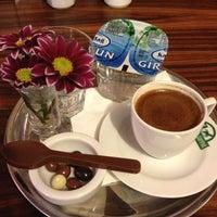 Photo prise au Edward's Coffee par Elisa A. le12/14/2012