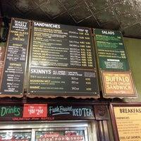 4/19/2013에 Bump J.님이 Potbelly Sandwich Shop에서 찍은 사진