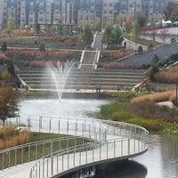 Foto tomada en Historic Fourth Ward Park por Henry West C. el 10/27/2012