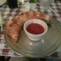 Foto scattata a Boca's Best Pizza Bar da Leead N. il 8/6/2013