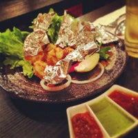 Das Foto wurde bei Lotus Land South Asian Food von Chris am 2/14/2013 aufgenommen