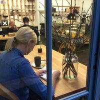 Photo prise au Super Tramp Coffee par Tom K. le12/9/2015