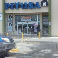รูปภาพถ่ายที่ Pitusa โดย Jose P. เมื่อ 7/3/2013