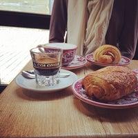 Photo prise au La Colombe Coffee Roasters par Andrew le2/8/2014