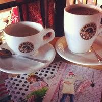 Снимок сделан в Engel's Coffee пользователем Amandine 12/7/2013