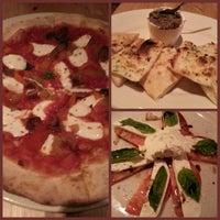 Foto scattata a Alimentari Osteria da Mary L. il 11/24/2012