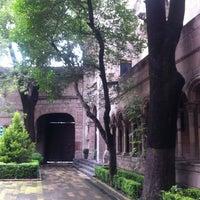 Foto diambil di Centro Cultural Helénico oleh Adriana pada 9/7/2013