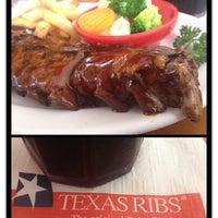 รูปภาพถ่ายที่ Texas Ribs® โดย Andrea เมื่อ 3/29/2014
