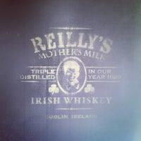 Foto scattata a Rock & Reilly's Irish Pub da Nicole il 5/25/2013