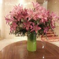 Das Foto wurde bei Hotel Wellington von Tatiana U. am 3/12/2013 aufgenommen