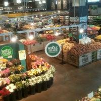 Das Foto wurde bei Whole Foods Market von Sarah K. am 12/27/2012 aufgenommen
