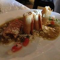 Foto tirada no(a) Quetzalcoatl Fine Mexican Cuisine and Bar por Faith em 7/15/2013