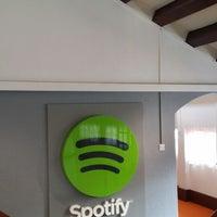 Снимок сделан в Spotify Asia HQ пользователем Jonie O. 5/29/2014