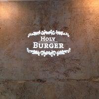 Снимок сделан в Holy Burger пользователем Arne K. 5/25/2014