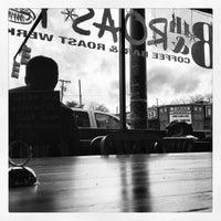 12/16/2012 tarihinde Andy H.ziyaretçi tarafından Eighth & Roast'de çekilen fotoğraf