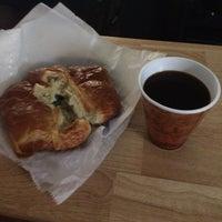 Foto diambil di Newberry Bros. Coffee oleh Alhaji D. pada 11/9/2014
