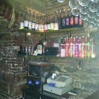 Снимок сделан в Vosvos Cafe'Bar пользователем TUGBA M. 12/9/2012