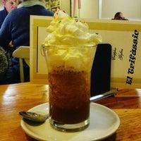 Foto tirada no(a) Cafè el Trifàssic por Jordi G. em 12/13/2015
