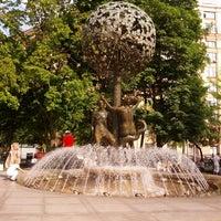 Снимок сделан в Фонтан-памятник «Адам и Ева под Райским деревом» пользователем Sergey S. 8/3/2013