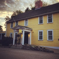 รูปภาพถ่ายที่ Three Chimneys Inn โดย Zoe S. เมื่อ 6/2/2013