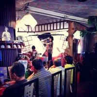 5/31/2014 tarihinde Ichitaro K.ziyaretçi tarafından Nefertiti Jazz Cafe & Bar'de çekilen fotoğraf