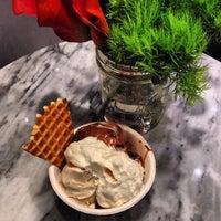 Photo prise au Jeni's Splendid Ice Creams par Amanda S. le11/7/2013