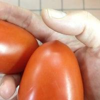 Foto scattata a Integral Yoga Natural Foods da Carol W. il 11/12/2012