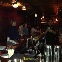 Das Foto wurde bei Lucey's Lounge von Michiko B. am 12/2/2012 aufgenommen
