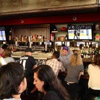 6/5/2014 tarihinde Melinda M.ziyaretçi tarafından The Greyhound Bar & Grill'de çekilen fotoğraf